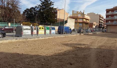 El terreny que es convertirà en zona d'aparcament.
