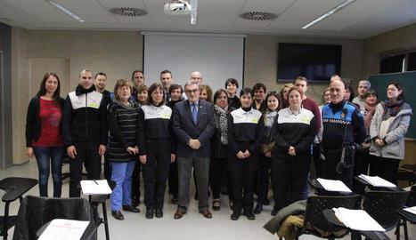 L'alcalde va donar ahir la benvinguda als agents cívics.