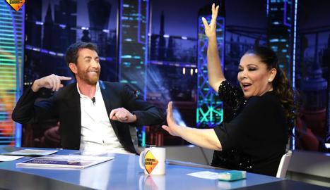 Pablo Motos i Isabel Pantoja, en un moment de l'entrevista.
