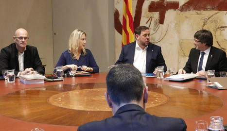 Romeva, Munté, Junqueras i Puigdemont, ahir en la reunió del Govern.
