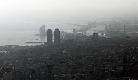 Imatge de Barcelona, amb alts nivells de contaminació.