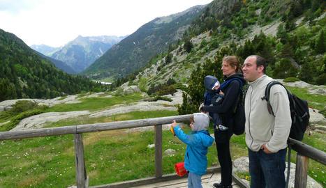 Visitants al Parc Nacional d'Aigüestortes, el mes de juny passat.