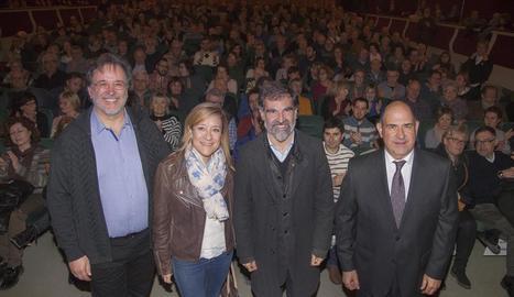 Representants de les entitats que recolzen la mobilització de demà en suport a Mas, Ortega i Rigau.