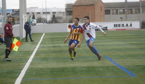 El Torrefarrera va superar el Bellpuig malgrat jugar l'última mitja hora en inferioritat per una expulsió.