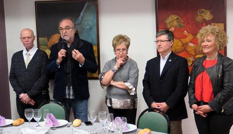 Rodamilans i els edils Vilella i Culleré van acompanyar ahir l'Associació de Laringectomitzats.