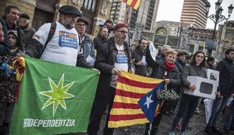 Nacionalistes bascos van sortir ahir al carrer per donar suport als càrrec catalans jutjats.
