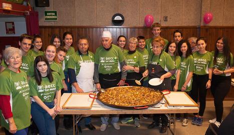 Imatge d'alguns dels voluntaris que van col·laborar en la iniciativa solidària.