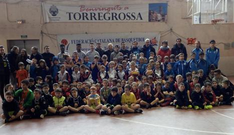 Disset equips a la Trobada d'Escoles a Torregrossa