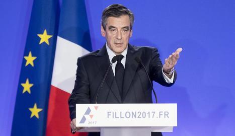 L'exprimer ministre francès i candidat conservador a la Presidència, François Fillon.