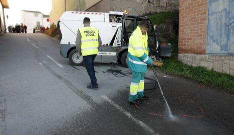 El tram del carrer Cavalleria en el qual es va produir l'accident no té cap tipus de vorera.