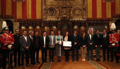 Entrega de la Medalla de Barcelona a la família de Muriel Casals.