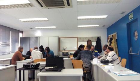 Participants en el projecte 'Treball als barris'.