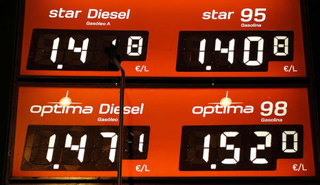 Preus en una gasolinera.