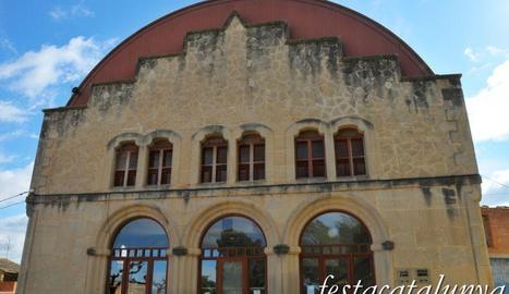 La façana de l'ajuntament que serà renovada.