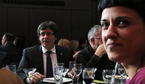 Puigdemont i Gabriel van garantir ahir un referèndum amb una pregunta clara i binària.
