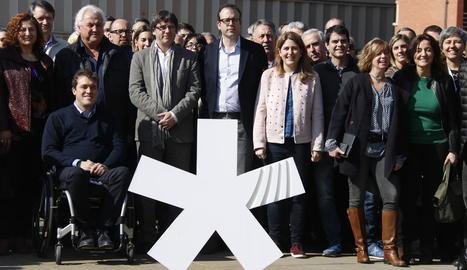 Foto del PDeCAT després de la constitució del Consell d'Acció Municipal amb Solsona al capdavant.