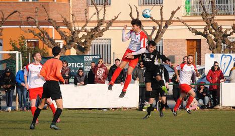El Linyola i el Mollerussa van disputar un emocionant partit en el qual va acabar imposant-se l'equip visitant.