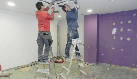 Obres de reforma al nou local, a Príncep de Viana.