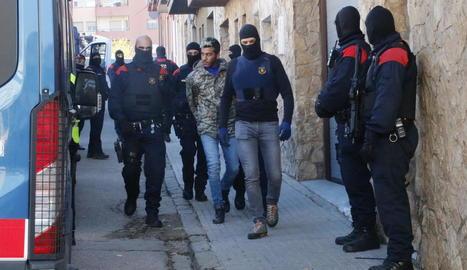 Una operació antidroga a Figueres se salda amb 35 detinguts