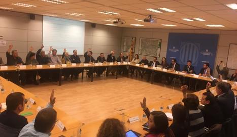 La reunió va aconseguir el suport pràcticament unànime dels assistents, tret de dos abstencions.