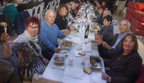 L'Espai MerCAT de Tàrrega va acollir la celebració del Dijous Gras.