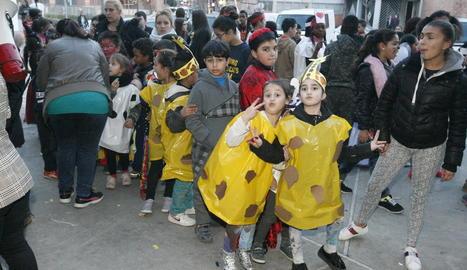 Els més petits van protagonitzar ahir la XXXIII edició de La Marató de l'Ou a Cappont.
