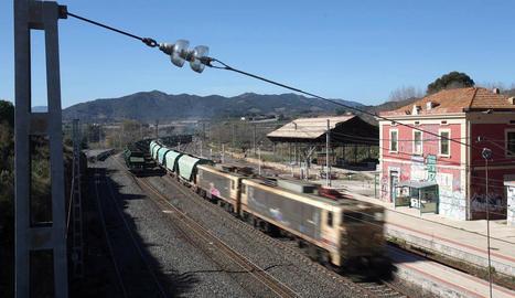 Imatge de l'estació de tren on va morir el menor.