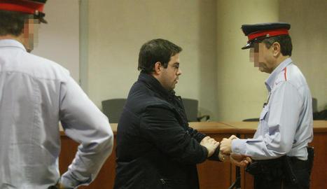 Alejandro Ruiz es va asseure ahir al banc dels acusats de l'Audiència Provincial en un judici que s'allargarà fins dijous.