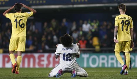 Marcelo celebra la polèmica victòria del Madrid a Vila-real.