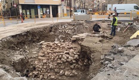 Prospecció arqueològica entre Tàrrega i el Talladell, ahir.