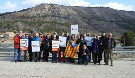 Un autobús de lleidatans va sortir cap a Madrid i un centenar persones es van concentrar a Tàrrega.