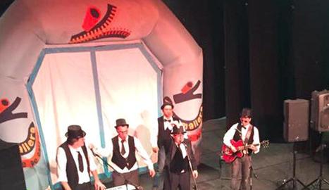 Els quatre nans xics s'estrenen al Carnaval infantil de Solsona.