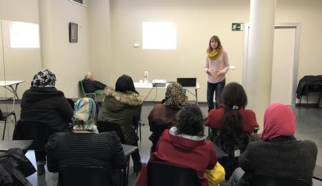Juneda imparteix un taller sobre educació per a la salut sexual