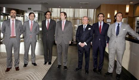 José María Ruiz Mateos (tercer per la dreta), acompanyat de sis dels seus fills el 2011.