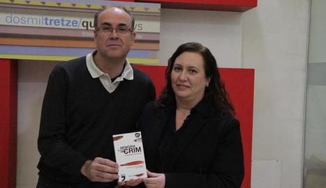 Vidal Vidal i l'autora, Alexandra Cuadrat, ahir a la Biblioteca.