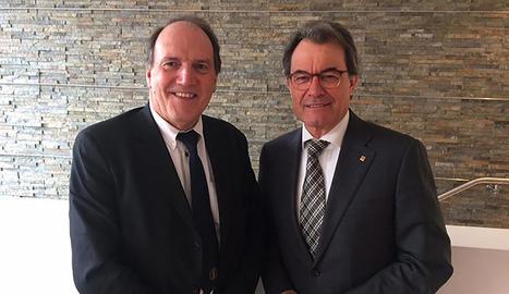Artur Mas, ahir, amb Simon Hughes en la seua visita al Regne Unit.