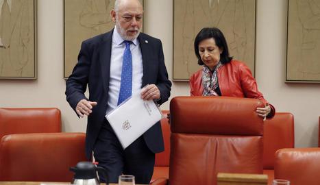 José Manuel Maza, al costat de Margarita Robles (PSOE).