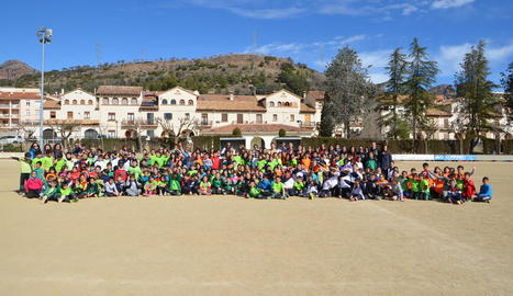 Més de 400 escolars a la Trobada de Miniatletisme del Pallars Jussà a la Pobla