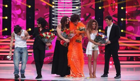 D'esquerra a dreta, Blas Cantó, Canco, Rosa, Lorena i Beatriz Luengo amb Manel Fuentes.