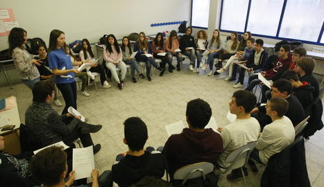Un moment de la sessió duta a terme ahir al col·legi Mirasan.