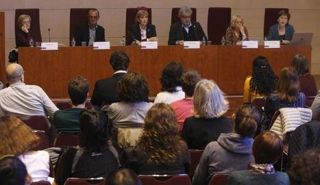 El Saló Víctor Siurana de la UdL va acollir la presentació de la 'Gramàtica' i l''Ortografia' catalanes.