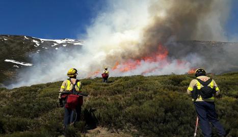 Cremes controlades per regenerar zones de pastura a Naut Aran