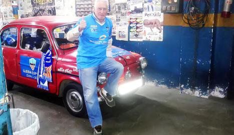 El 600 del Lleida, a Vila-real ■ El Seat 600 de l'aficionat Antonio Martín tornarà a viatjar aquest cap de setmana per acompanyar el Lleida en el partit de demà davant del Vila-real B. El seu cotxe, de 52 anys, ja ha recorregut més de 65.000 quilòmetres.