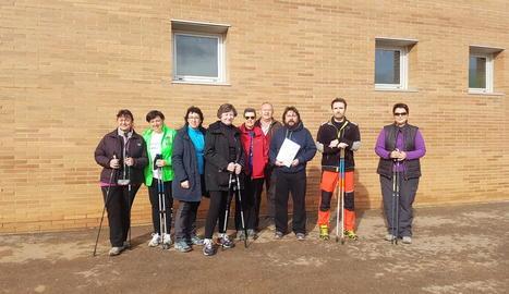 Alguns dels participants del curs de marxa nòrdica d'ahir.
