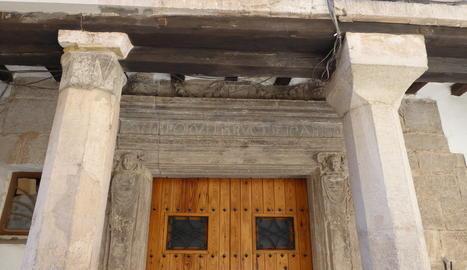 Inscripció llatina en una casa d'Arbeca, a les Garrigues