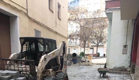 Les obres del carrer Sant Josep al centre de Fraga.