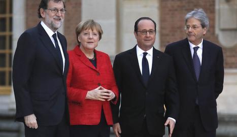 Rajoy, Merkel, Hollande i Gentiloni, ahir a Versalles.