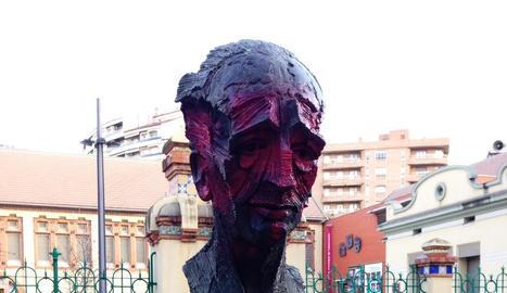 El bust de Lluís Companys a Lleida ha estat atacat amb pintura.