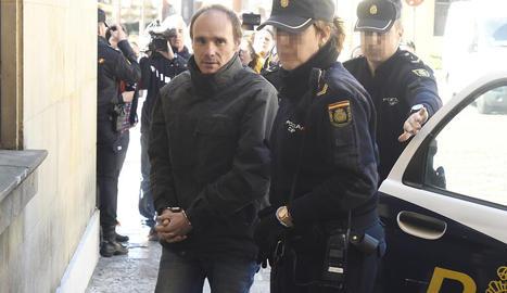 L'acusat Miguel Ángel Muñoz Blas, a l'arribar a l'Audiència.