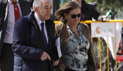 Miguel Ángel Fernández Ordóñez, al sortir dels jutjats.